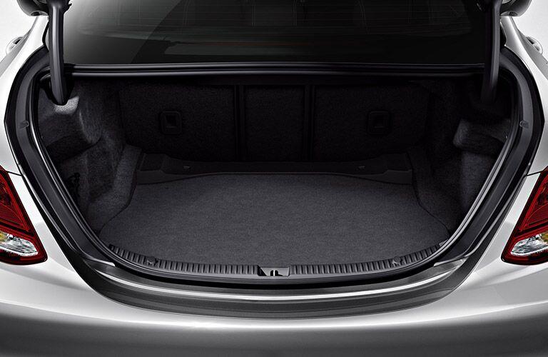 2018 Mercedes-Benz C 300 trunk space