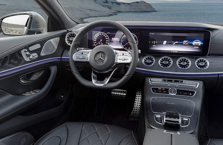2019 Mercedes-Benz CLS 12.3-inch displays and steering wheel