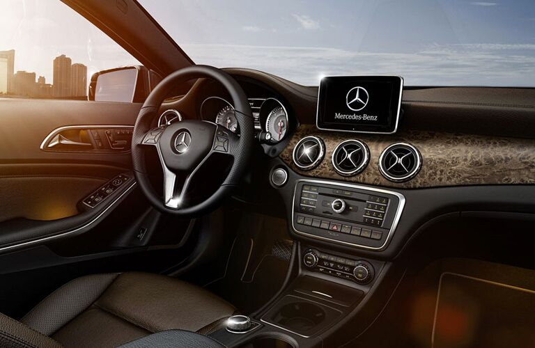 steering wheel and infotainment of the 2017 Mercedes-Benz GLA