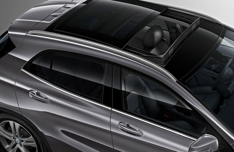 overhead view of the 2017 Mercedes-Benz GLA with sunroof