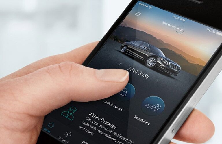using the Mercedes me app