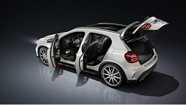 2015 Mercedes-Benz GLA250 Doors