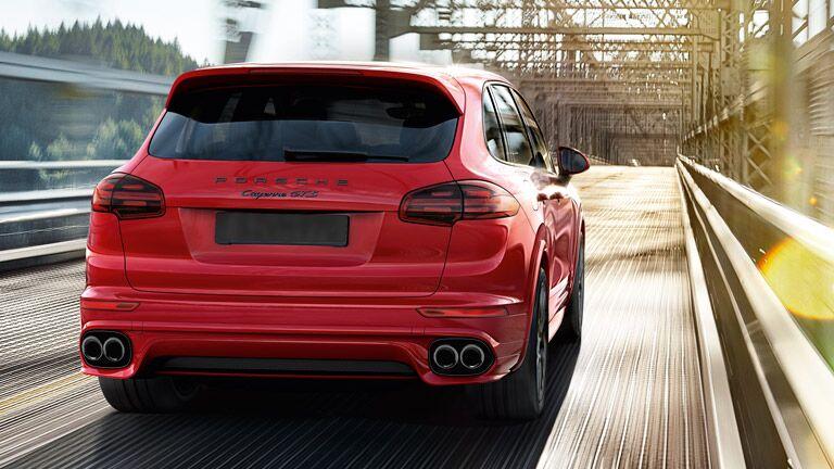 2015 Porsche Cayenne Red Rear
