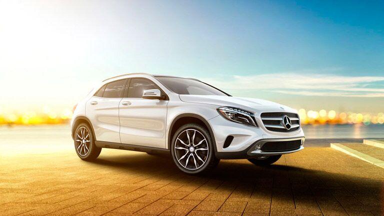 2015 mercedes benz gla vs 2015 bmw x1 for Mercedes benz finance address