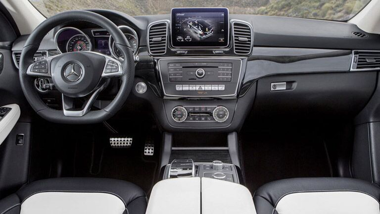 2016 Mercedes-Benz GLE SUV Interior COMAND interface