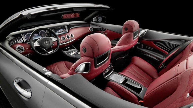 Rear Seat Entertainment in the 2016 S-Class Convertible