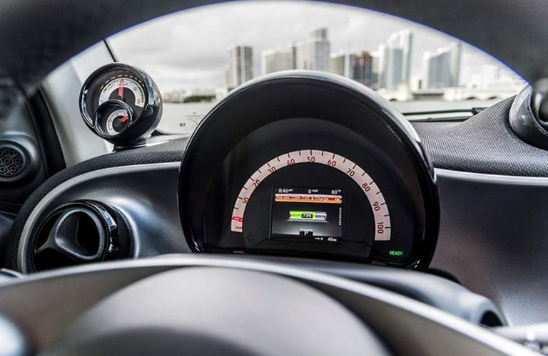 2017 smart fortwo electric drive pure interior gauges steering wheel