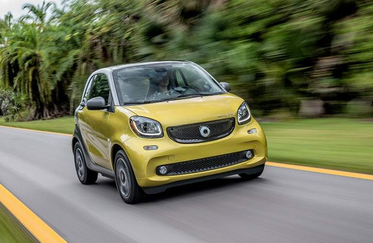 2017 smart fortwo electric drive pure yellow and black highway driving