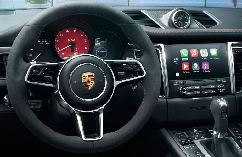 2017 Porsche Macan GTS Chicago, IL interior front steering wheel