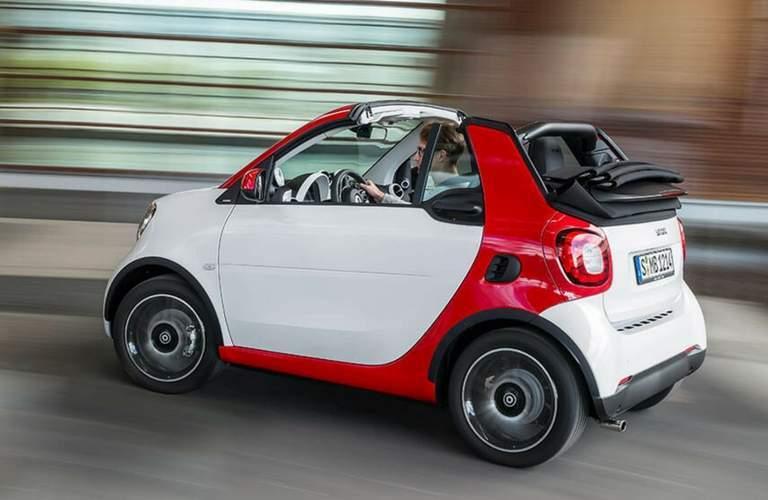 2017 smart fortwo passion cabrio driving fast