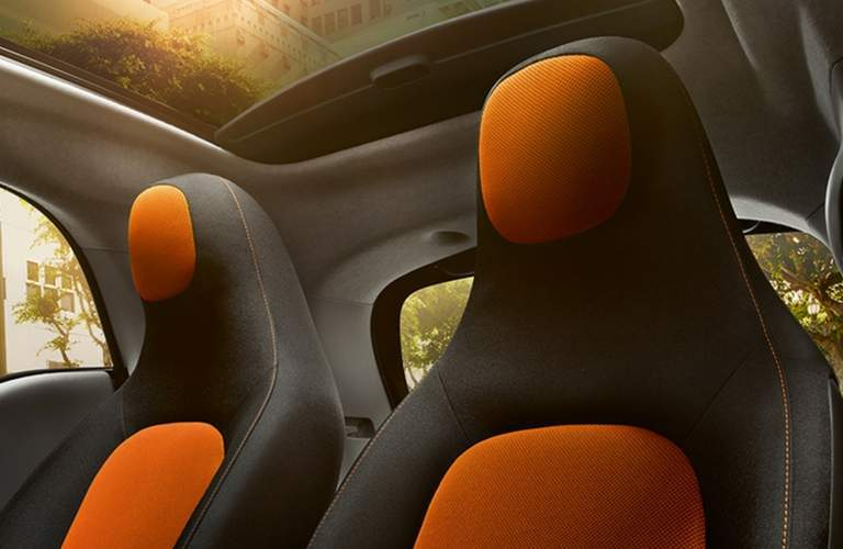 detail image of the seats inside the 2018 smart fortwo electric drive Passion Coupe