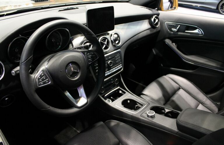 2018 Mercedes-Benz GLA-Class interior front driver's seat