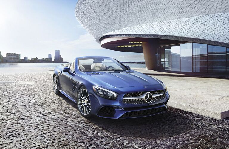 2017 Mercedes-Benz SL Roadster Front Grille Design