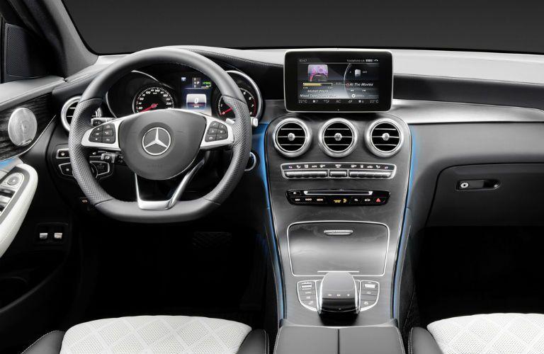 2016 Mercedes-Benz GLC Interior Technology