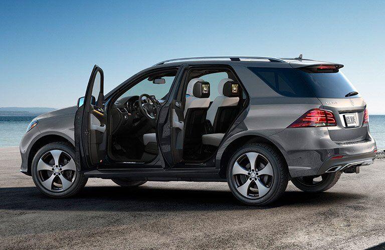 2017 Mercedes-Benz GLE doors open