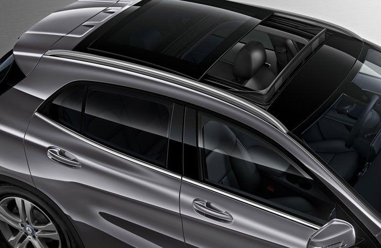 2017 Mercedes-Benz GLA moonroof