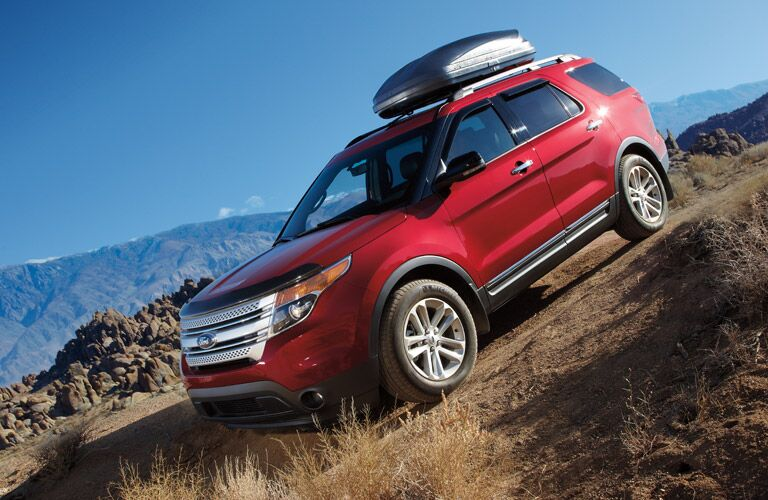 2013 Ford Explorer traveling down a mountain
