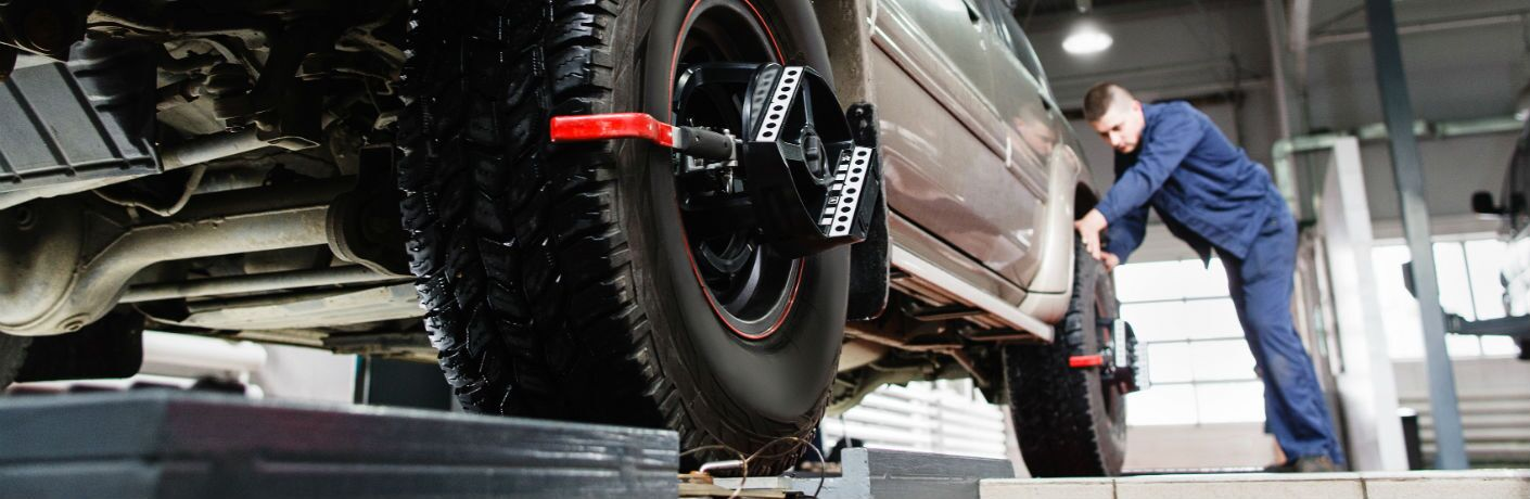 Tire alignment in service center