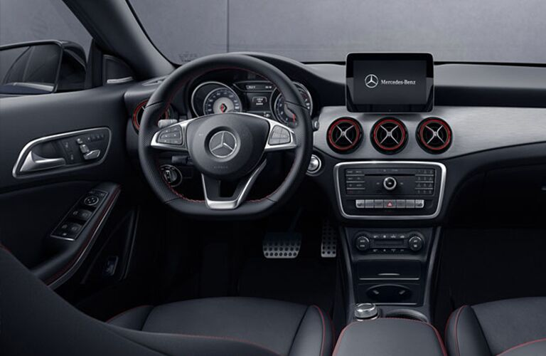 2018 Mercedes-Benz CLA 4MATIC® steering wheel and dashboard design