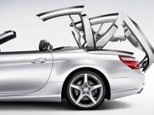 Mercedes-Benz in Mid-Transition Convertible Movement
