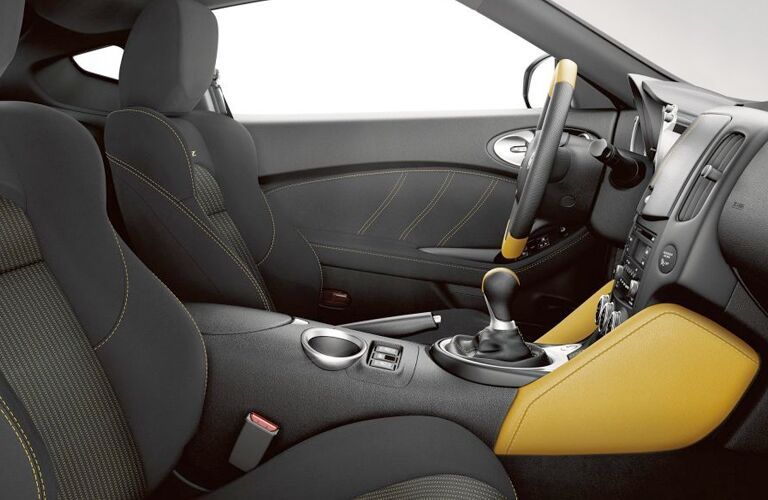 2019 Nissan 370Z Coupe front interior seats