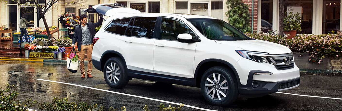 2021 Honda Pilot parked with rear tailgate open