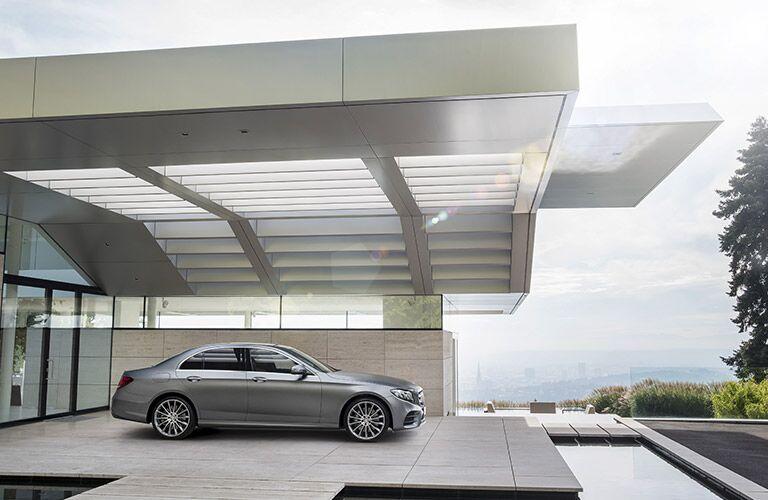 2017 Mercedes-Benz E-Class E300 4MATIC Body View