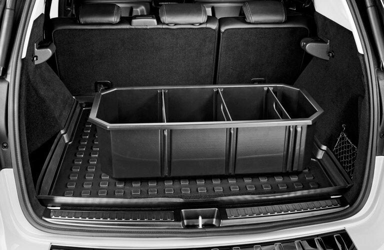 2017 Mercedes-Benz GLS-Class interior cargo space storage compartment