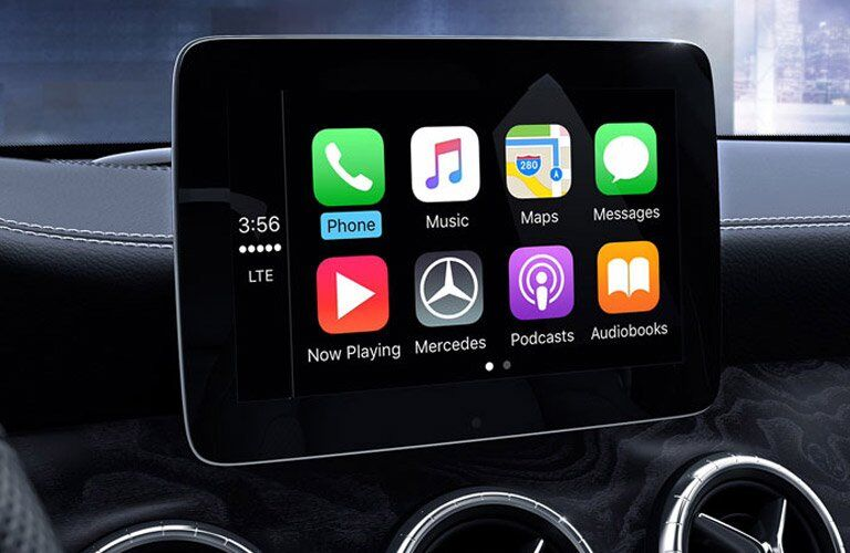 2017 Mercedes-Benz CLA front interior infotainment system