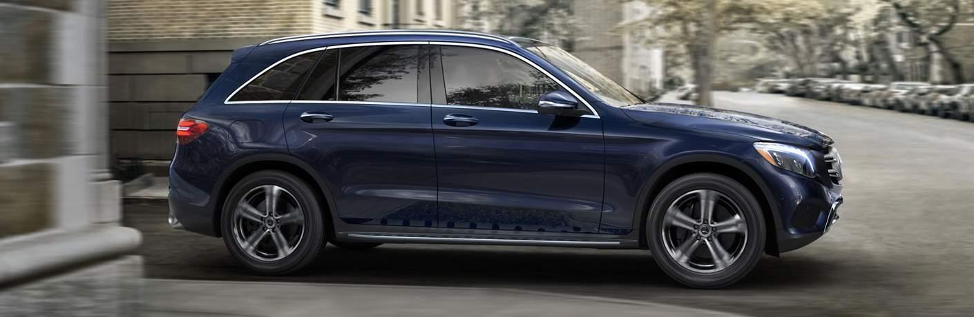 2018 Mercedes-Benz GLC Driving Through Town