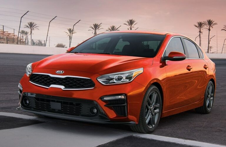 2019 Kia Forte red front view