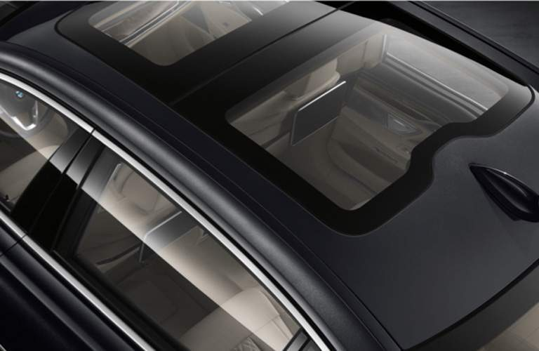 Dual Moonroof of 2018 BMW 7 Series