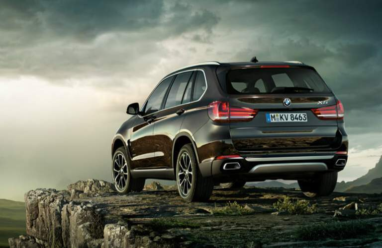 2018 BMW X5 Parked by the Edge of a Cliff