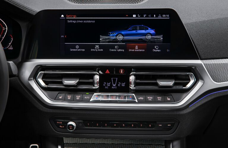 Infotainment System Touchscreen and Climate Control System in 2019 BMW 3 Series