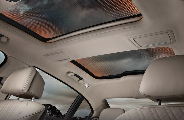 Dual Moonroof of 2019 BMW 7 Series