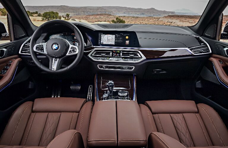 Dashboard and brown front seats in 2019 BMW X5