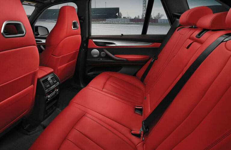 Red rear seats in 2019 BMW X5 M