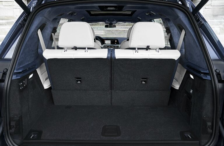 Cargo Area in 2019 BMW X7