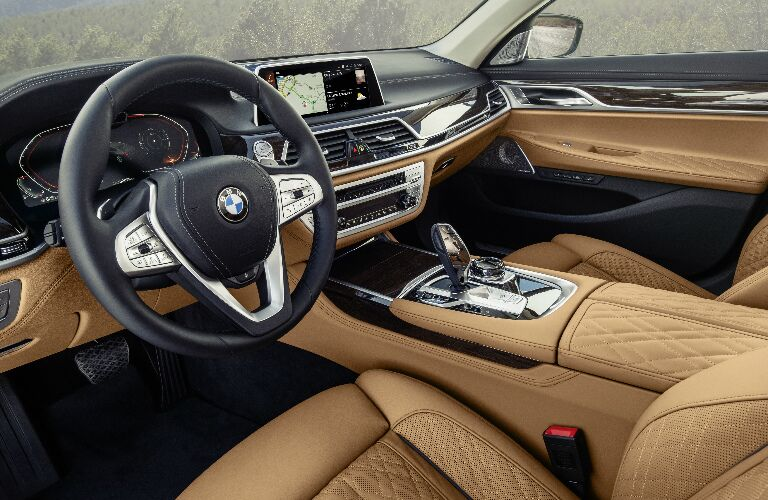 Dashboard and brown front seats in 2020 BMW 7 Series