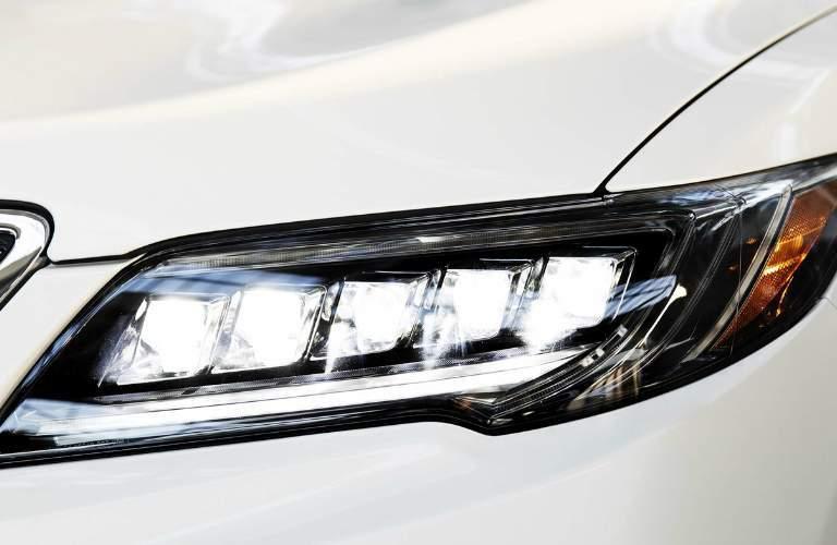 2018 Acura RDX front headlight