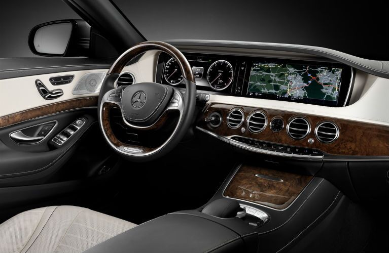 2015 Mercedes-Benz S-Class Dual Screen Interior