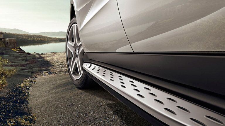 2016 Mercedes-Benz GLE SUV vs. 2016 Lexus RX 350 tires