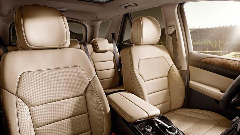 2016 Mercedes-Benz GLE SUV vs. 2016 Lexus RX 350 interior