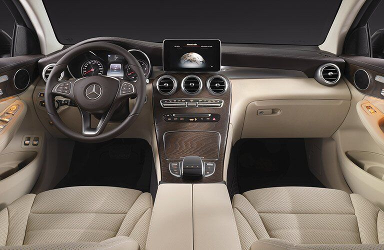 front dashboard view of the 2017 Mercedes-Benz GLC