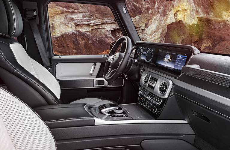 luxurious front seats and dashboard of the 2019 Mercedes-Benz G-Class