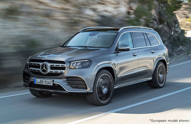 2020 Mercedes-Benz gls driving on mountain road