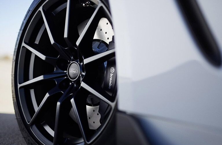 wheels of ford mustang