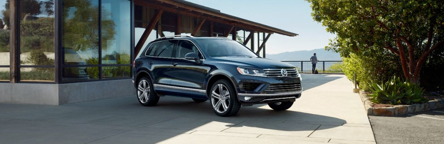 2017 Volkswagen Touareg in Amherst, OH