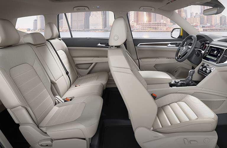 An interior cut-away photo of how much space is available for passenger inside of the 2018 VW Atlass