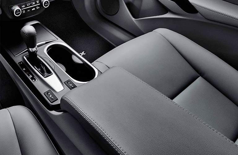cup holders inside the 2018 Acura RDX